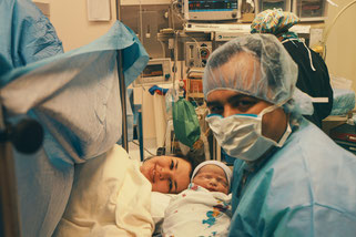 帝王切開後の赤ちゃんとママ