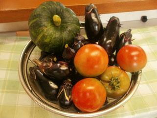 食べきれない野菜は、玄関ロビーで販売しています(不定期)