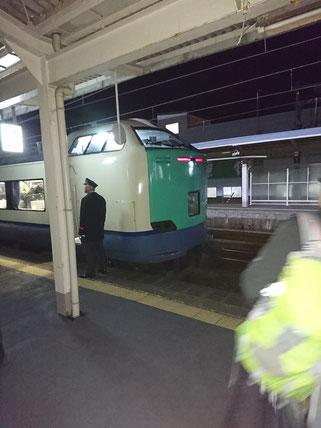 485系のラストラン。糸魚川駅に到着(Y課長提供)