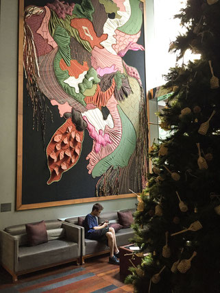 kunst in der lobby des hansar