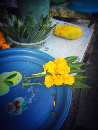 Opferblumen in Trang