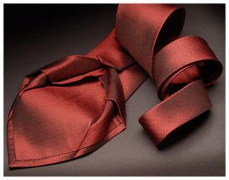 Corbata siete pliegues seda roja