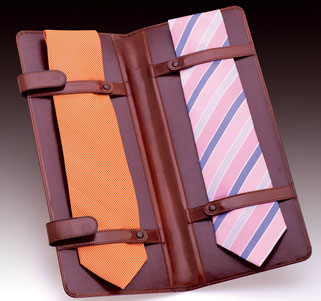 Estuche fabricado artesanal de cuero para corbatas