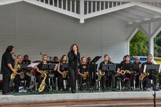 SömmerSwingBigBand gab ein Konzert im Waldschwimbad Rastenberg