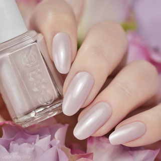 essie • pillow talk-the-talk (EU 748) • Not Red-y for Bed Collection (winter 2020/21)