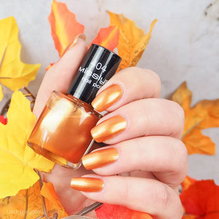 swatch Misslyn • golden fringe 404 • Beauty In Boots Collection fall 2016