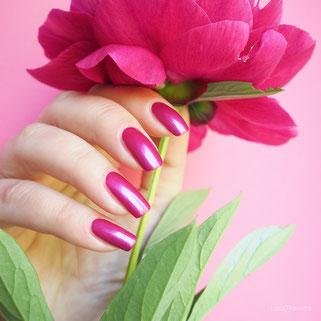 swatch essie jewel in the crown Tropical Lights Collection 2016