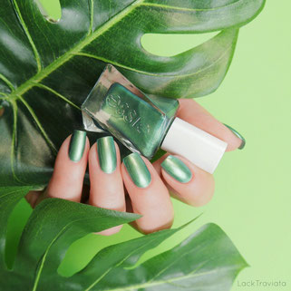 essie • jade to measure (EU 478) • Gel Couture Holiday Collection 2017