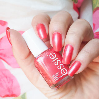 swatch essie funships Tropical Lights Collection 2016