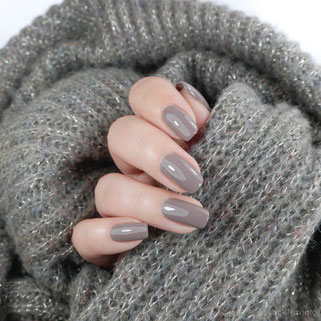 essie • easily suede (EU 661) • Sweater Weather / Country Retreat Collection
