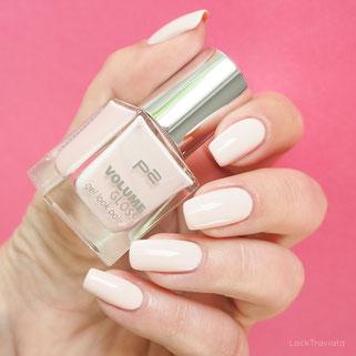 swatch p2 • white liar 530 • Volume Gloss gel look polish