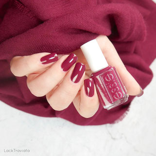 essie • nailed it (EU 516) • Congrats Collection