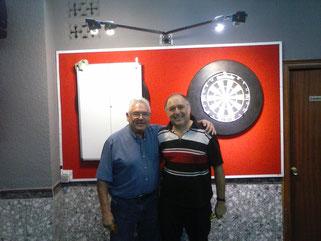 Antonio y Jeronimo, compañeros en el Esplugues.C.D rivales en la liga A.C.D. Dos CRACKS