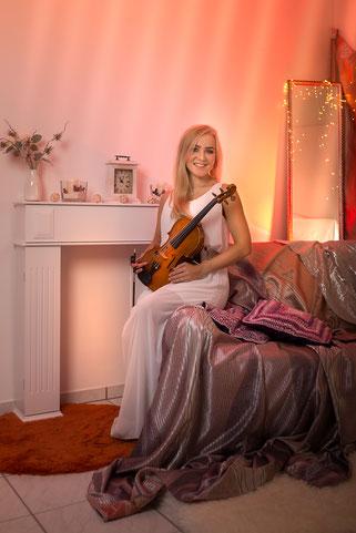 Jessica Grzenia - Violinistin Violine Geigerin Geiger Geige Violin Hochzeit Trauung Duisburg Düsseldorf NRW Dortmund Köln Bonn Koblenz Essen Musik Event Weihnachtsfeier