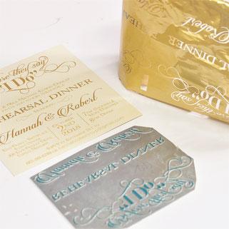 Prägeplatte und Metallfolie in der Farbe Gold