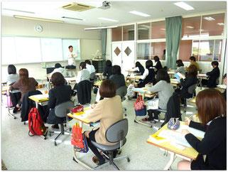 鹿児島医療技術専門学校での授業風景(2013・4)