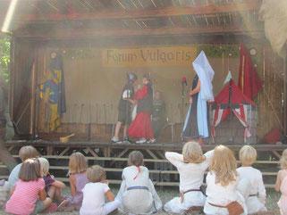 Kindertheater auf der Mittelalterwoche in Visby auf Gotland