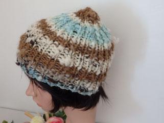 bonnet mouton naturel, bleu et lama clair