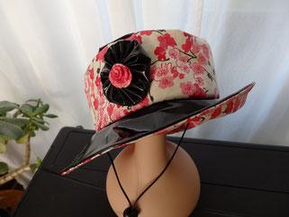 Chapeau de pluie fleuri petite taille