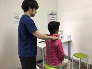 触診、徒手検査でお身体の確認を致します