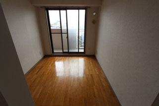 リフォーム前。普通のマンションの1室です。