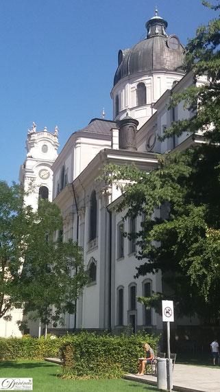Kollegienkirche Salzburg, Blick vom Furtwänglerpark
