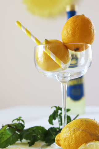 Bild: Rezepte für Drinks und Cocktails mit Limoncello. Ein Gastbeitrag für decorize, gefunden auf www.Partystories.de