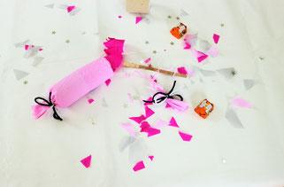 Bild: DIY Deko für die Party oder Hochzeit selber machen - finde kreative Ideen für schöne Dekoration zum selber basteln auf www.partystories.de // DIY Knallbonbons Upcycling aus Toilettenpapier-Rollen basteln