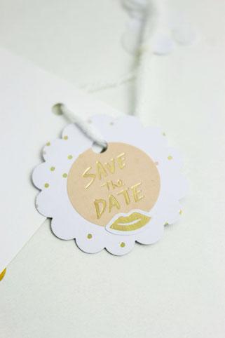 Bild: DIY Brautkalender- finde Ideen für einen Braut Countdown Kalender als Geschenk zum selber machen, mit Tipps zum Befüllen und Verpackungsideen // gefunden auf www.partystories.de // #diyHochzeit #Brautkalender #geschenkidee #adventskalender
