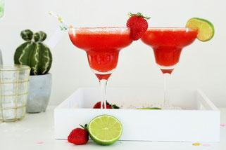 Bild: Ideen und Rezepte mit Erdbeeren, Blog Partystories // Rezept für fruchtige frozen Margaritas mit Erdbeeren und Wassermelone