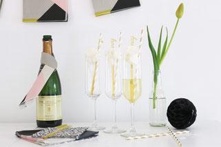 Bild: Finde Ideen für Deko, Geschenke und Rezepte zum Valentinstag auf Partystories.de, Sekt mal Anders mit Zuckerwatte zum Valentinstag