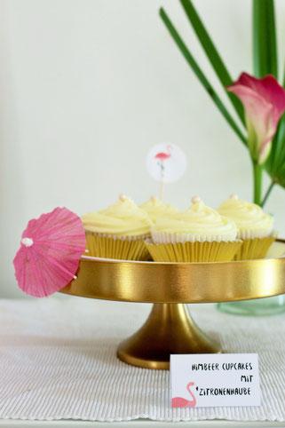 Bild: Viele Ideen für eine Flamingoparty in gold und pink mit Deko, Rezepten für Partyfood und einfachen DIY's, gefunden auf Partystories.de