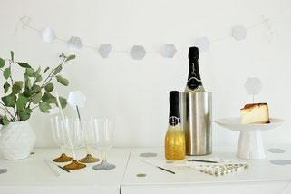 Bild: DIY Silvester Deko Ideen selber basteln, Tipps für eine Silvester Party auf partystories.de finden