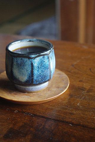 コーヒーにも、緑茶にも馴染んでくれます