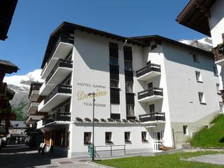 Aussenansicht Sommer Hotel garni Domino & Apartments Saas-Fee
