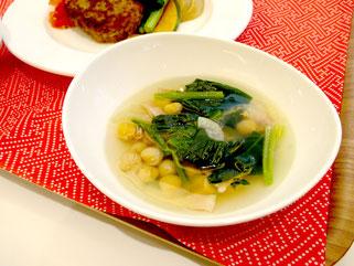 ほうれん草とひよこ豆のスープ