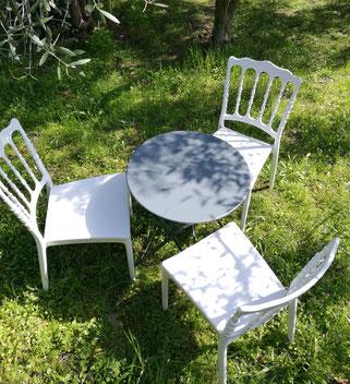 location chaises et guéridons de jardin Salon de Provence