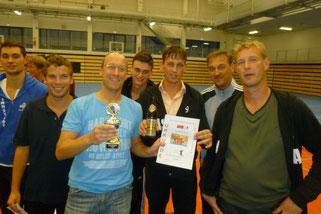 Ganz im Zeichen der Saisonvorbereitung steht der September; hier die Herren nach Platz drei beim Traditionsturnier in Vilsbiburg