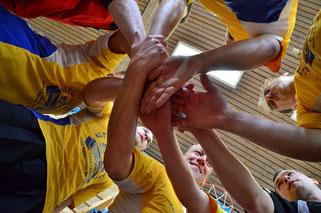 Alle für einen, einer für alle - die 1. Herren starten erfolgreich in die Bezirksligasaison, halten Anschluss zu den Aufstiegsrängen