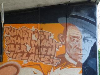 Street Art Graffiti Beastiesstylez Urban Art Stencil cutout Reverse Graffiti Loomit Banksy Os Gemeos WON ABC Shepard Fairy Space Invader Spraypaint Stylewriting Positive Propaganda HNRX München Munich Fack ju Schilla fackjuschilla Göhte Elyas M'Barek