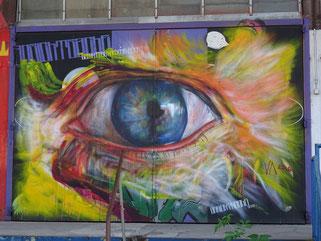 Street Art streetart Graffiti Stencil Spraypaint Stylewriting Loomit HNRX München Werksviertel Kultfabrik Wurst Fisch Banksy Os Gemeos WON ABC Positive Propaganda Sprayer Kunst München Munich