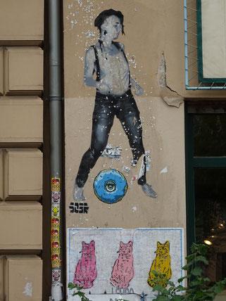 Street Art Berlin Graffiti Eisenacher Straße Spraypaint streetart urban art Loomit Banksy Os Gemeos WON ABC Shepard Fairy Fack ju Schilla fackjuschilla Göhte Goethe Künstler Kunst