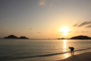 渡嘉敷島阿波連ビーチの夕日