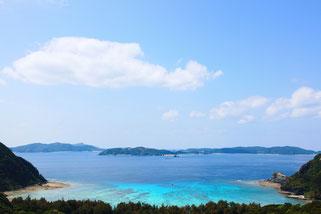 スノーケリングやスキンダイビングも楽しめる渡嘉敷島のビーチ