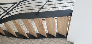 escalier bois et métal vue de dessous fait sur mesure, made in France