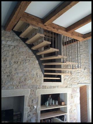 escalier suspendu , fabrication sur mesure