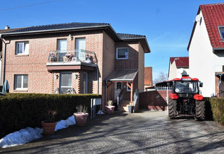 14776 Brandenburg, Resthof mit Freiflächen, Landmaschinen und Geräte