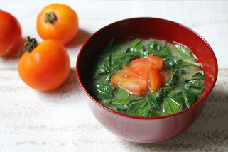 藤野料理教室にじ トマトとモロヘイヤの味噌汁