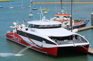 Wight Shipyard: Red-Funnel-Fähre 'Red Jet 6'