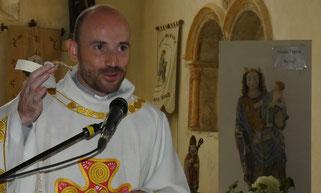 Le père Daniel de Kerdanet a reçu un sachet de terre du Relec, en souvenir de son passage...